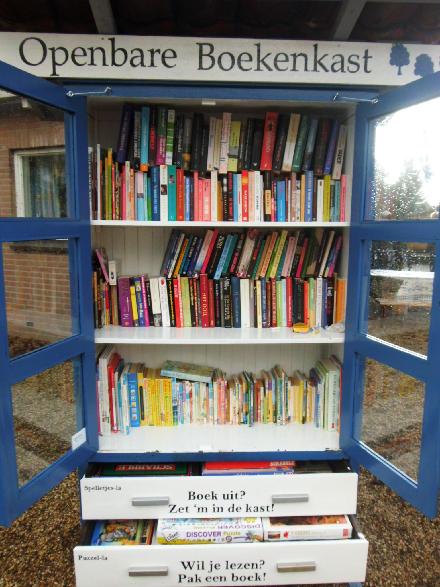 Overvolle boekenkast